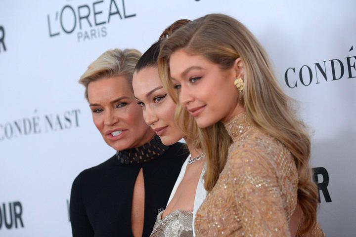 3 1 Glamour Awards: Gigi Hadid, premiata de Serena Williams