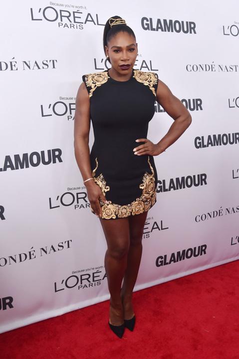 4 Glamour Awards: Gigi Hadid, premiata de Serena Williams