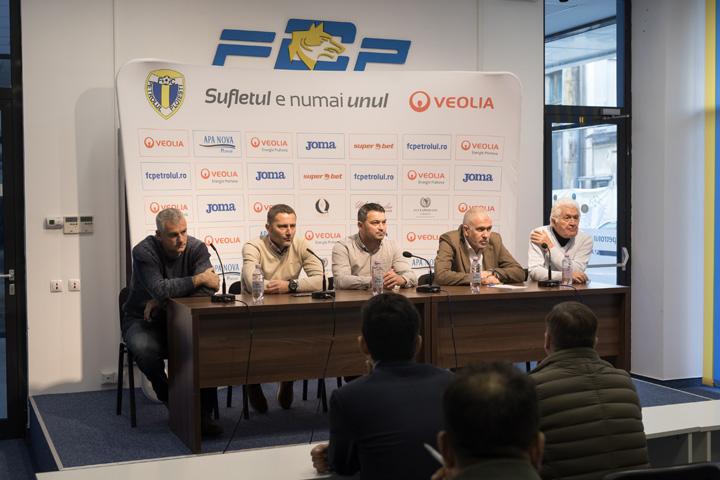 """5 2 Antrenor nou la Petrolul Ploiesti: """"Intentia este sa ajungem in Liga1"""""""