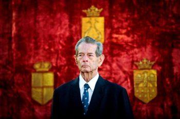 993837 596064700441520 1927684223 n regele 350x233 Casa Regala: Regele Mihai, in stare de suferinta. A fost impartasit