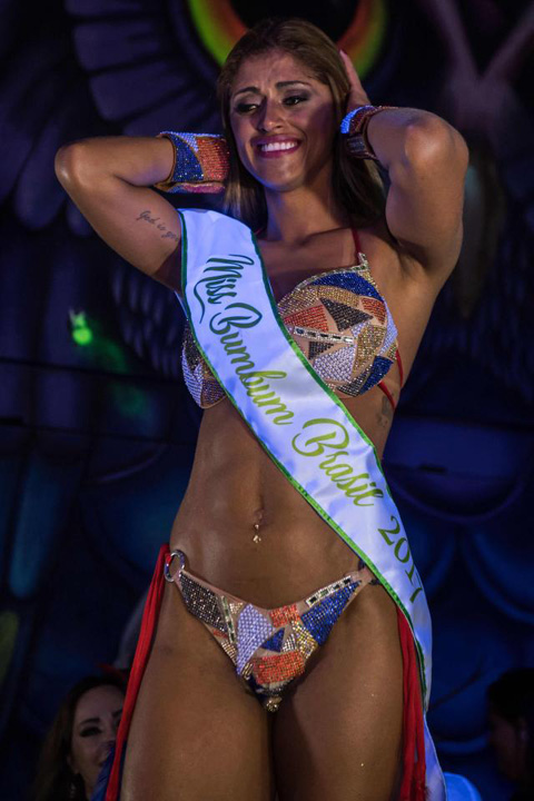 Miss BumBum0 Ea este Miss BumBum 2017