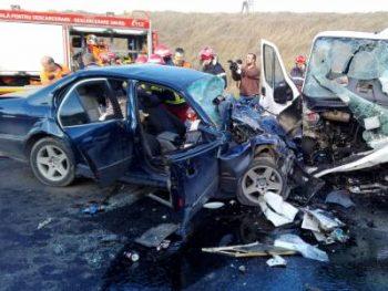 accident 350x263 Trei oameni au pierit, intr un grav accident in judetul Constanta