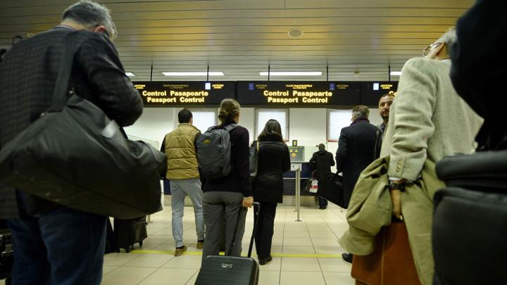 aeroport Ghid ANAF pentru romanii care pleaca din tara