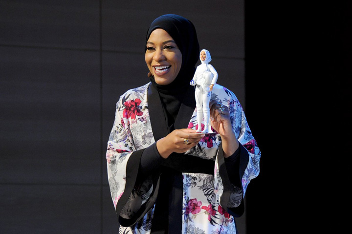 barbie mare Prima Barbie cu val islamic
