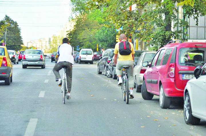 "bici ""Haite"" de biciclisti terorizeaza Capitala!"