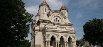 biserica 350x159 Preotul nervos la botez, suspendat 30 de zile