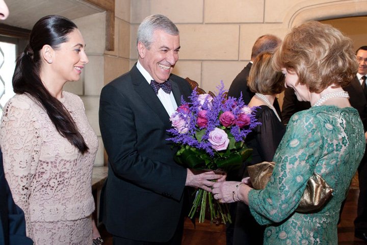 calin popescu tariceanu sotia loredana dineu regal principesa margareta.jpg Tariceanu se sinucide politic, cu Dudele regale de gat