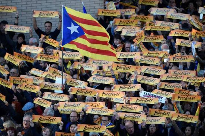 catalani Premierul Spaniei a venit in gura lupului catalan