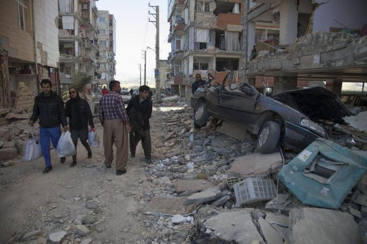 cutremur 1 Cutremur: 535 de morti si 4200 de raniti in Iran si Irak