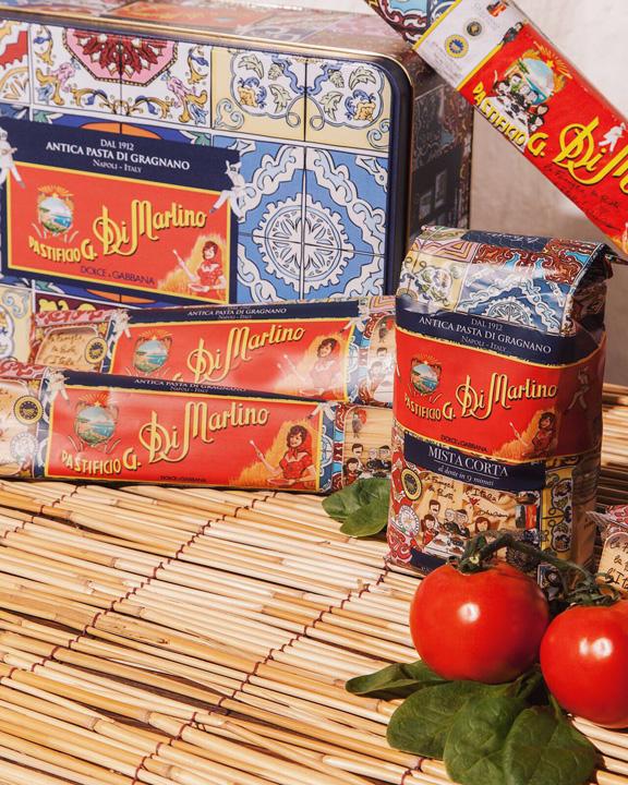 dolce 1 Dolce & Gabbana trec pe macaroane!
