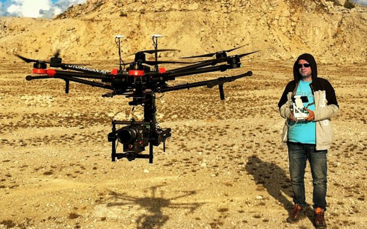 """drone Dronele si plusurile """"inteligente"""", cadouri  favorite de Craciun"""