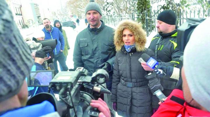 firea iarna Firea isi asorteaza la palton masini de topit zapada