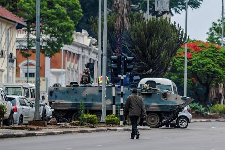 harare Mugabe, spre Targoviste