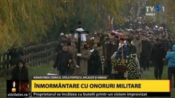inmormantare 350x196 Actrita Stela Popescu, condusa pe ultimul drum de o mare de oameni. Aplauze si onoruri militare