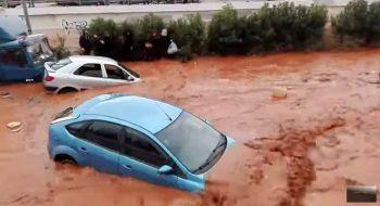 inund 350x190 Doliu national in Grecia, dupa dezastrul provocat de inundatii (VIDEO)