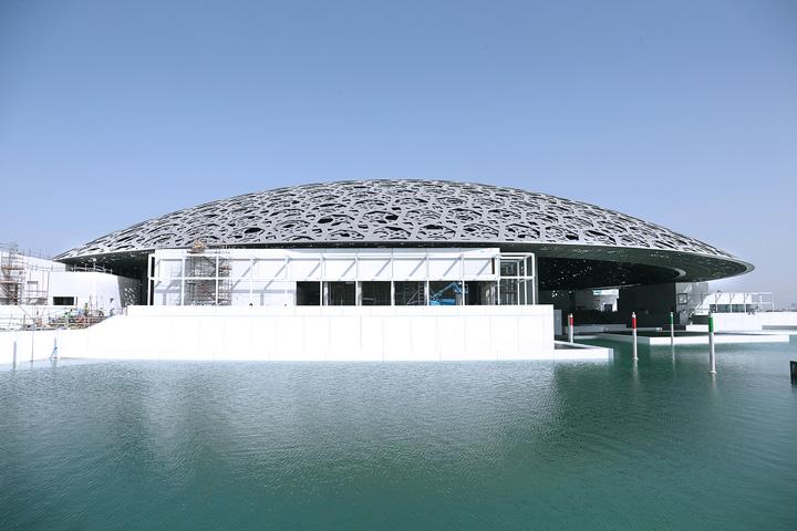 luvru Muzeul Luvru, inaugurat in Emirate