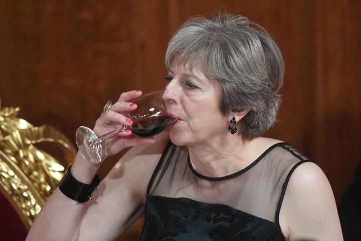 may madelion Londra sare la gatul lui Putin