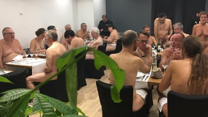 nudisti 1jpg O'naturel,  primul restaurant pentru nudisti in Paris