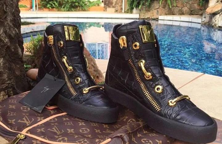 pantofi Beizadeaua lui Mugabe