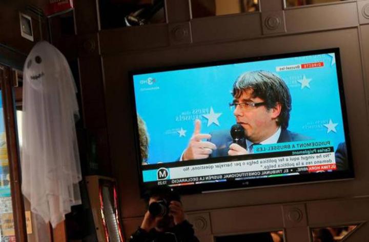 puigdemont Chemat de justitia Spaniei, Puigdemont nu iese din cotlon