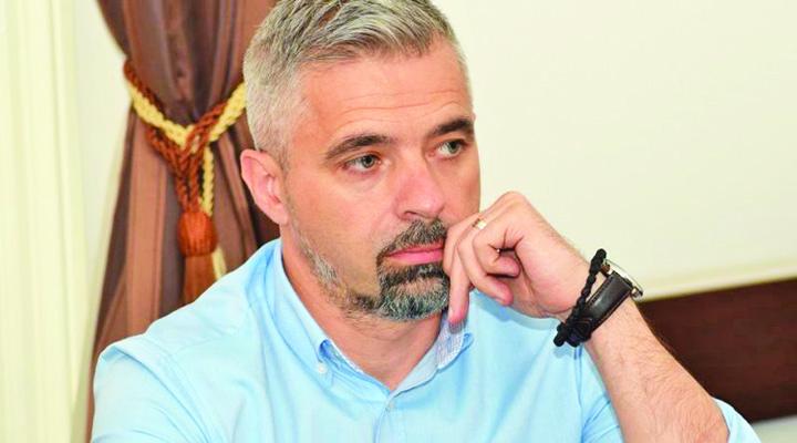 radu barb 1 PSD Deva fulgerata din Kiseleff