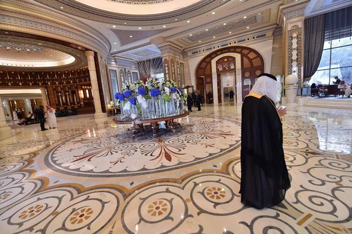 ritz hol De ce au fost inchisi printii sauditi la Ritz