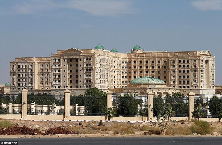 ritz hotel Printisorii sauditi, inchisi la Ritz