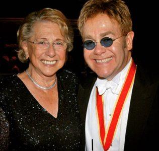 24296620 1867859046576527 7589398101788747971 n 316x300 Mama lui Elton John a murit. Cantaretul a facut tristul anunt