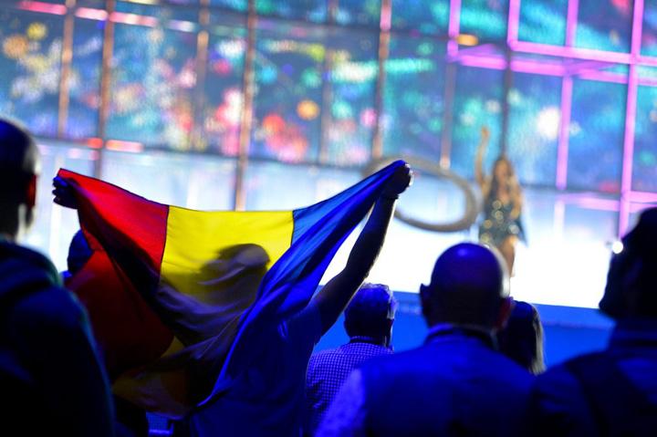 Romania flag miracle Tineti va bine, incepe circul Eurovision