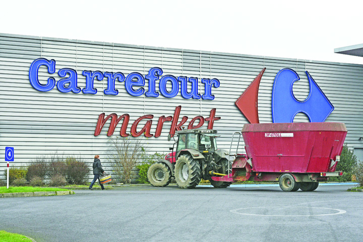 carrefour Carrefour concediaza 5000 de oameni. Urmeaza Romania?