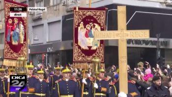 cortegiu1 1 350x198 Funeraliile Regelui Mihai. Cadre impresionante de la procesiunea din centrul Capitalei