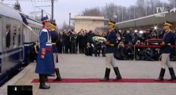 gar3 350x189 Funeraliile Regelui Mihai. UPDATE   Trenul Regal a ajuns la Curtea de Arges