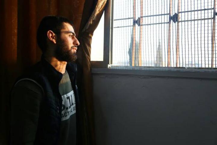 jihadisti3 ISIS se reabiliteaza cu sah si tigari