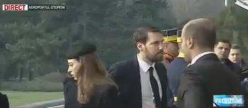 nepot 350x153 Regele Mihai, adus in Romania. Asteptat la aeroport de Custodele Coroanei si de nepotul Nicolae