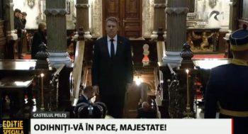 omagiu 350x189 Presedintele Iohannis, la catafalcul Regelui Mihai, la Peles