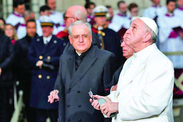 papa Papa recomanda evitarea dialogului cu Satana