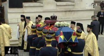patri 350x188 Slujba de inmormantare a Regelui Mihai, oficiata la Patriarhie, s a incheiat
