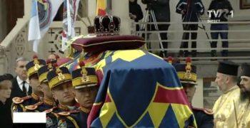 patri5 350x180 Slujba de inmormantare a Regelui Mihai, oficiata la Patriarhie, s a incheiat
