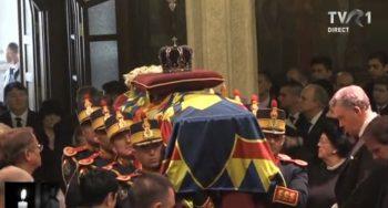 patri7 350x188 Slujba de inmormantare a Regelui Mihai, oficiata la Patriarhie, s a incheiat