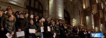 prot 1 350x128 Protest tacut al magistratilor. Au iesit pe scarile Curtii de Apel Bucuresti