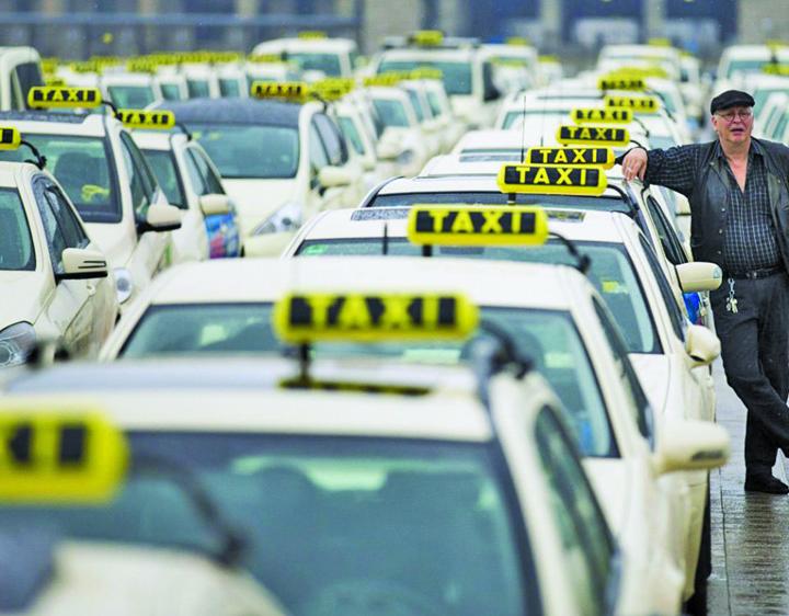 protest taximetristi 960x750 Regizoarea de Voluntari a mafiei taxiurilor