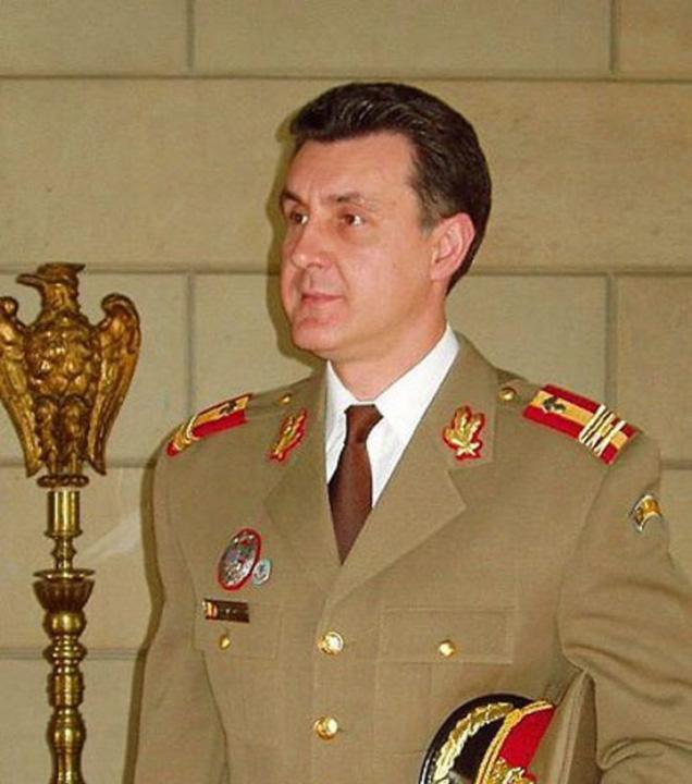 radu duda uniforma Radu al Romaniei, Duda zilei...