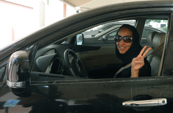 saudite Sauditele pot conduce si motociclete si camioane