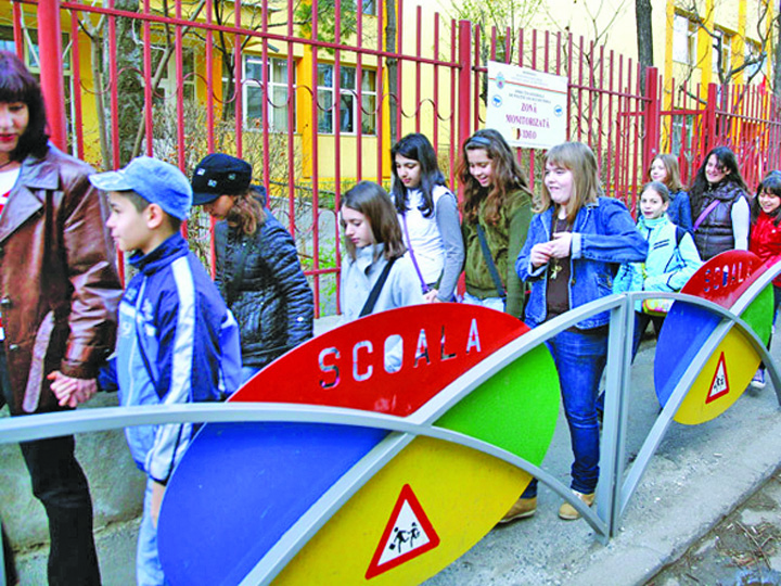 scoli Fara serbari in scoli in zilele de doliu national