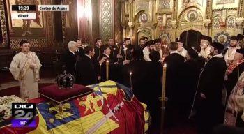 slujba1 350x192 Regele Mihai, inhumat la Curtea de Arges