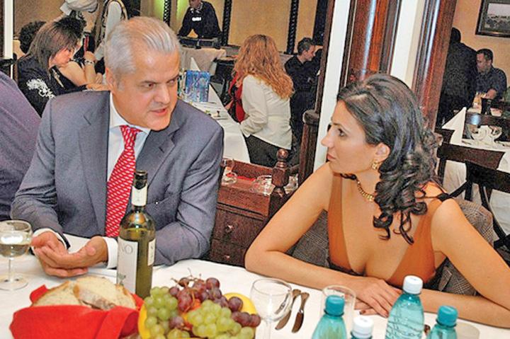 Anca Alexandrescu Fifor, prins cu Anca si Gabi!