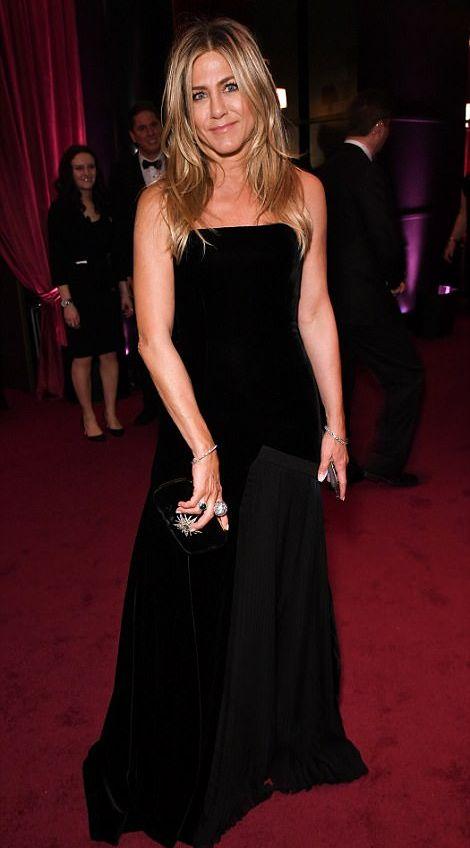 Jennifer Aniston Globurile de Aur, ceremonie in negru