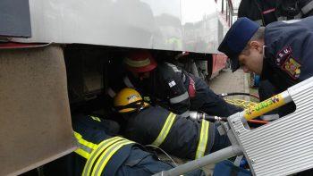 accident tramvai 350x197 Interventie dramatica: fetita de 12 ani, lovita de tramvai la Arad