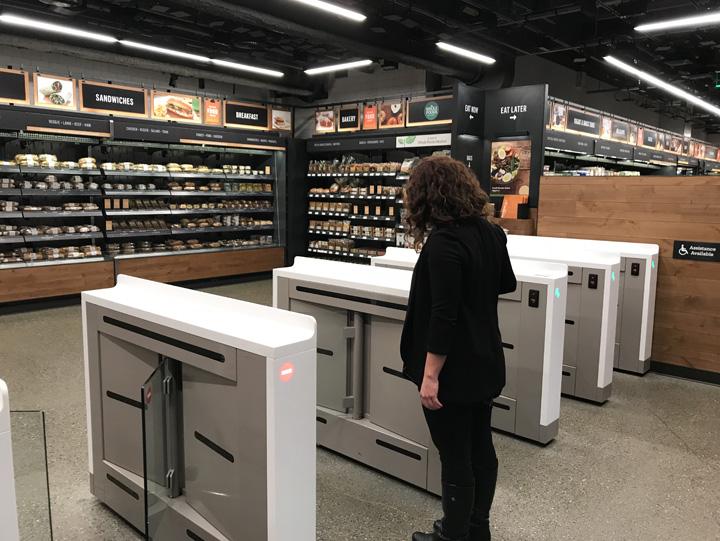 amazon go Amazon deschide primul magazin fara case de marcat