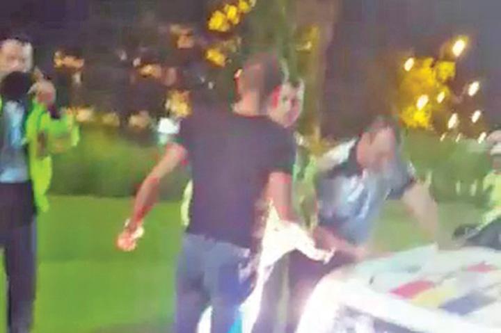 boureanu gabor Politistul care l a trimis la pamant pe Boureanu cere daune de 50.000 euro